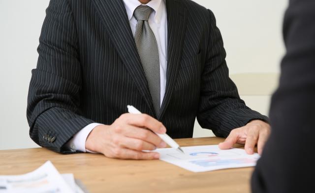 医療法人承継のタイミングを税金から考える